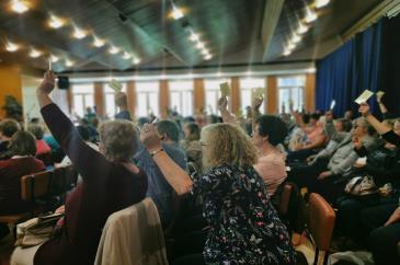 A küldöttgyűlésen a szavaznak a résztvevők