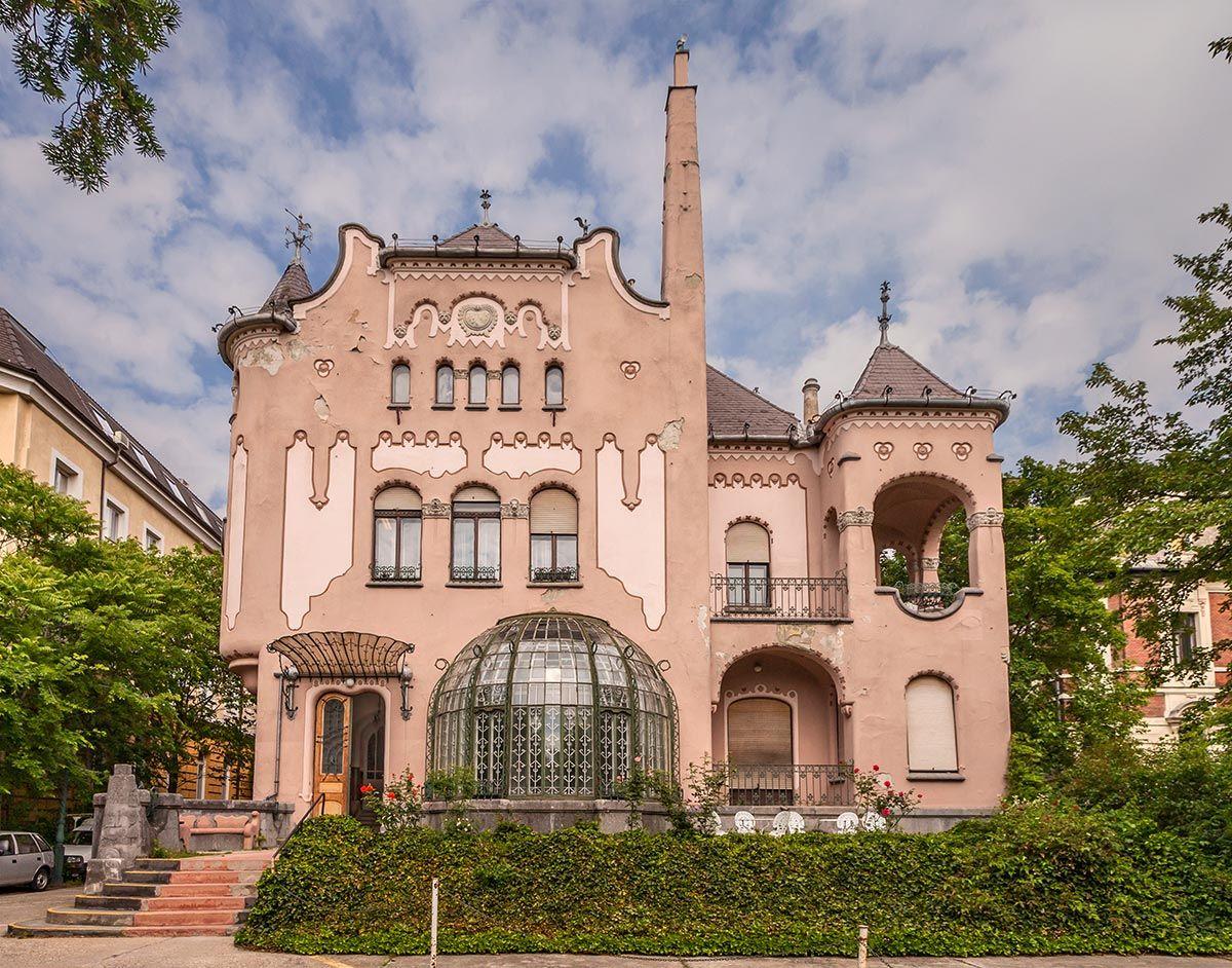 MVGYOSZ central building