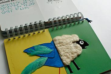 Braille tapinthato kreatív mesekönyv365x242